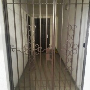 Решетчатая дверь